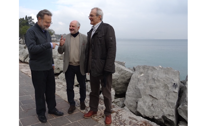 Experts in developing chromogenic media meet in Italy
